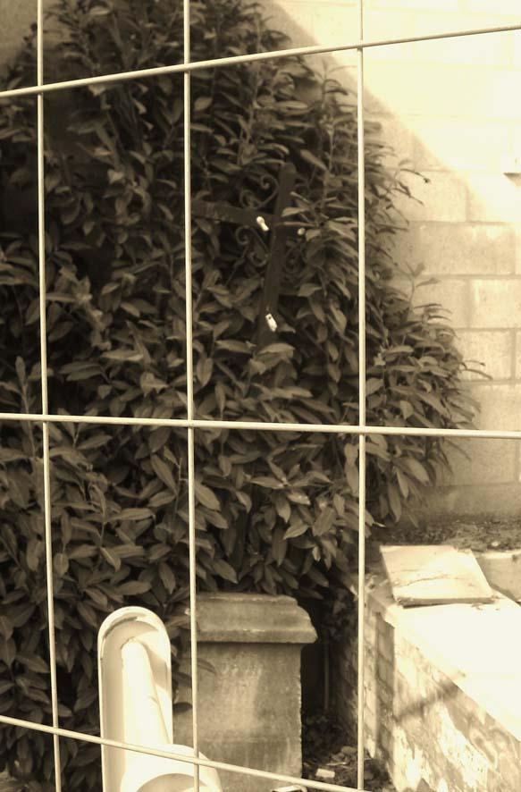 A mangombroux agolina et croix 01