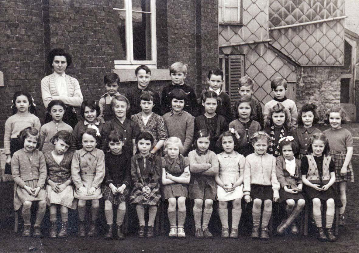 ecole-stembertoise-14-st-nicolas-1953-54-2eme-primaire.jpg