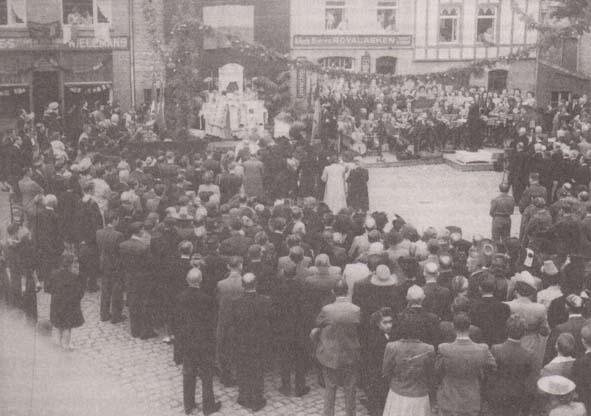 Fnc 16 place du perron 1945 retour prisonnier