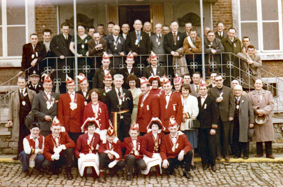 Leup di stimbiet rouge et blancs comite des fetes et carnaval 01