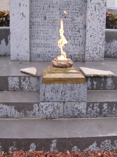 monument-aux-morts-17.jpg