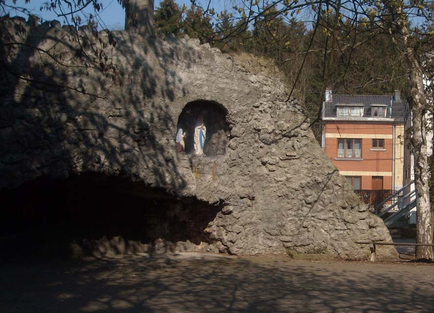 Renovation grotte mangombroux 01
